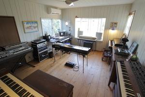 studio sunny sky 2